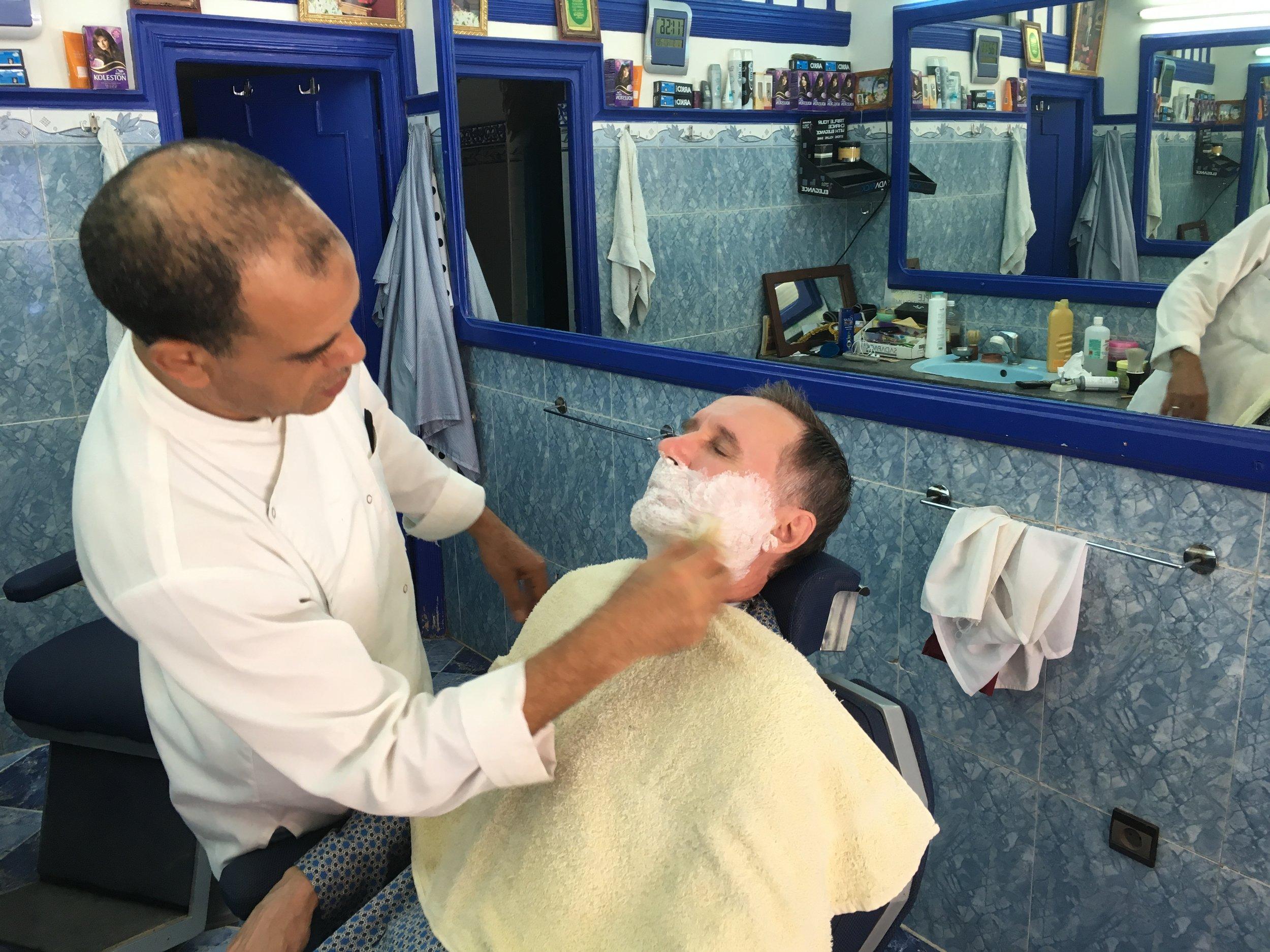 5 eurolla saa erittäin hienon leikkauksen ja parranajon!