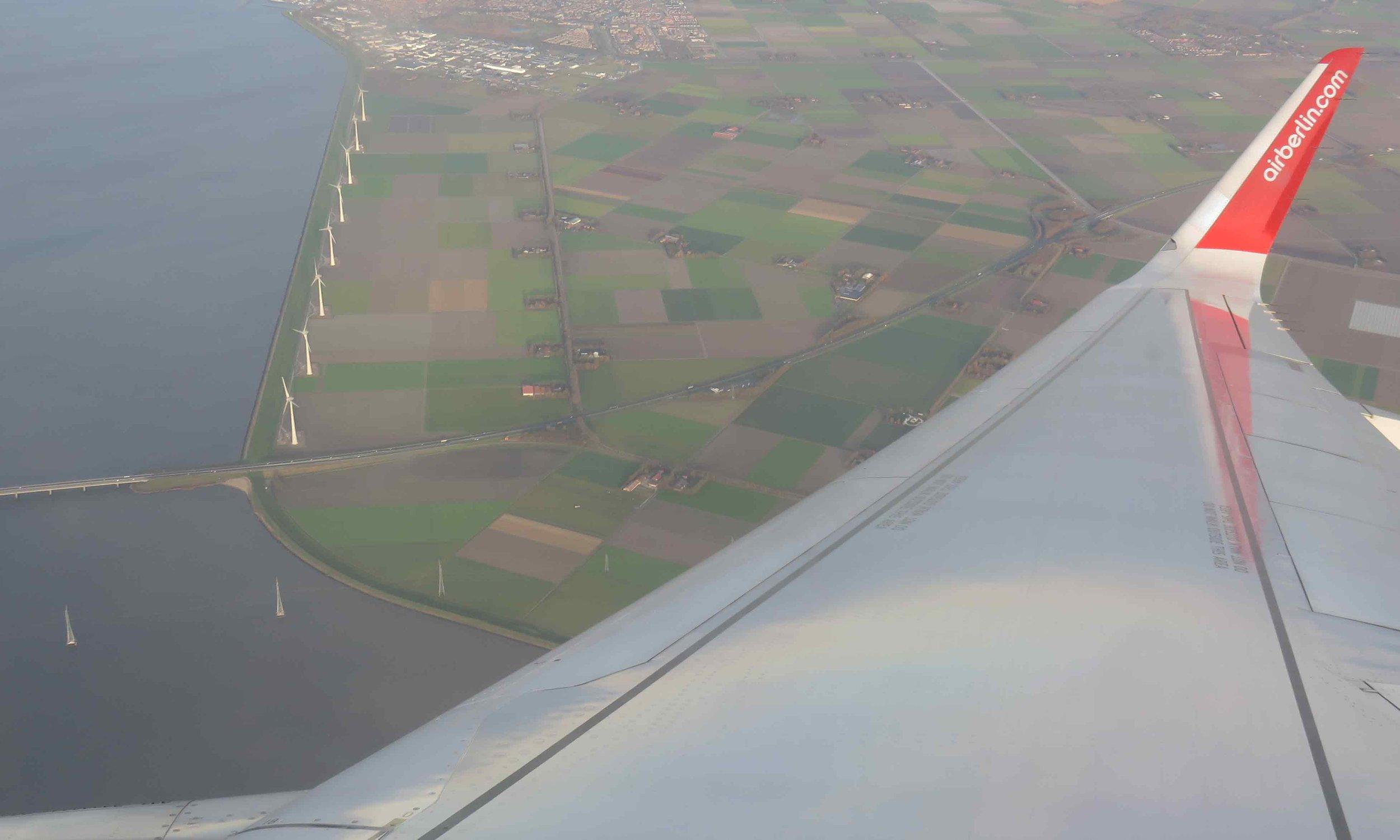 Air Berliinin siivin Amsterdamiin...