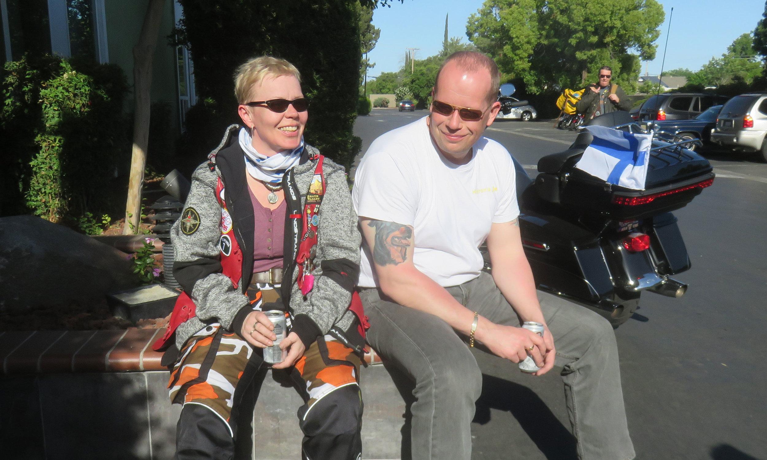 Johanna ja Mika kypäräkaljalla Fresnossa!