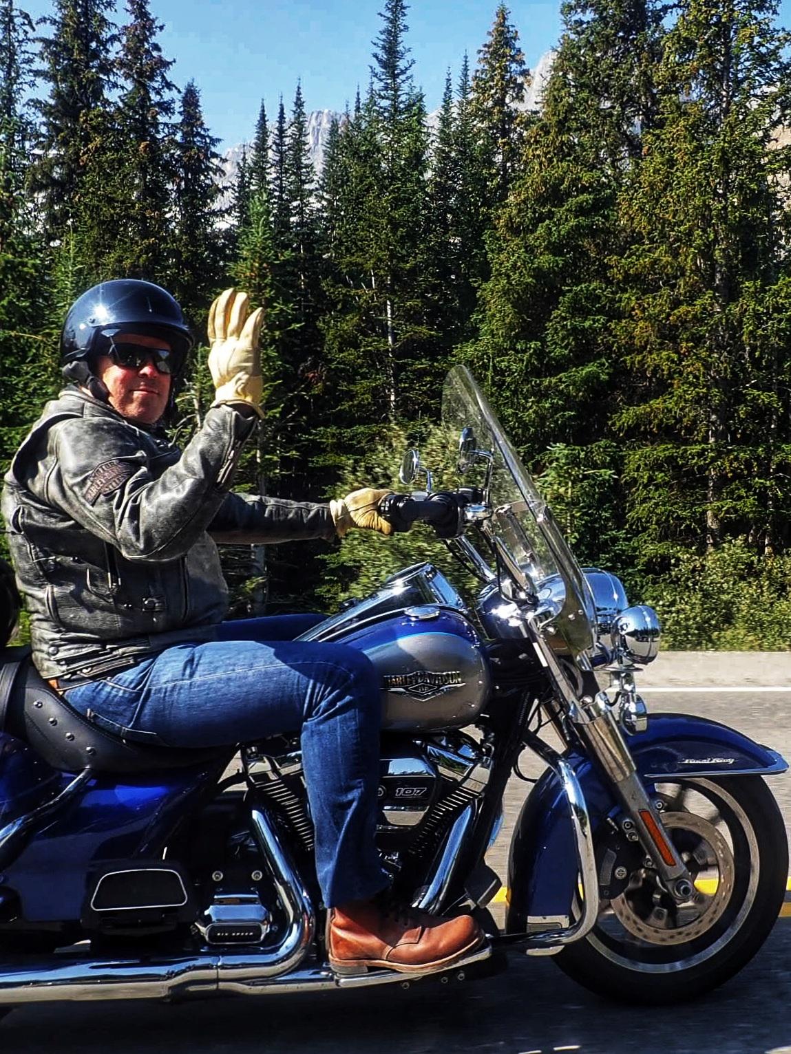 HINTA - • Kuljettaja | 4590€• Matkustaja | 2990€• BMW 1200GS tai vastaava | + 250€• Harley-Davidson | + 250€• 1 hengen huone | + 920€