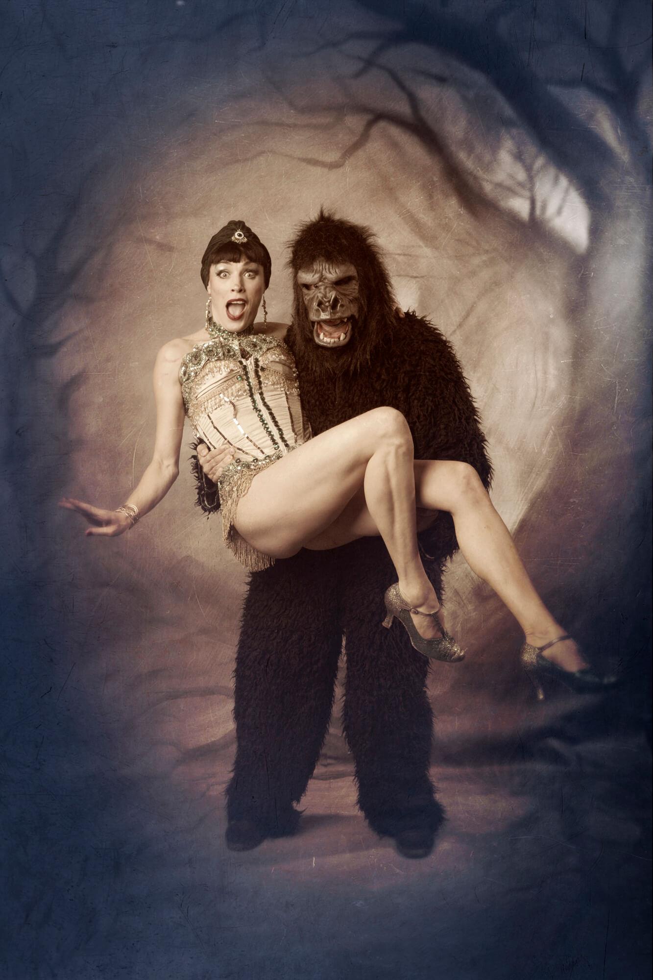 © Showgirl Monkey - Atelieri O Haapala