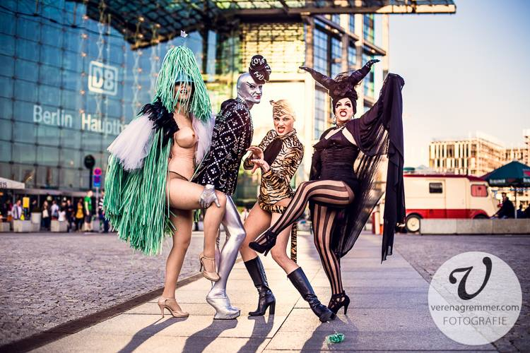 Burlesque Attack Berlin Photoprojekt by Verena Gremmer