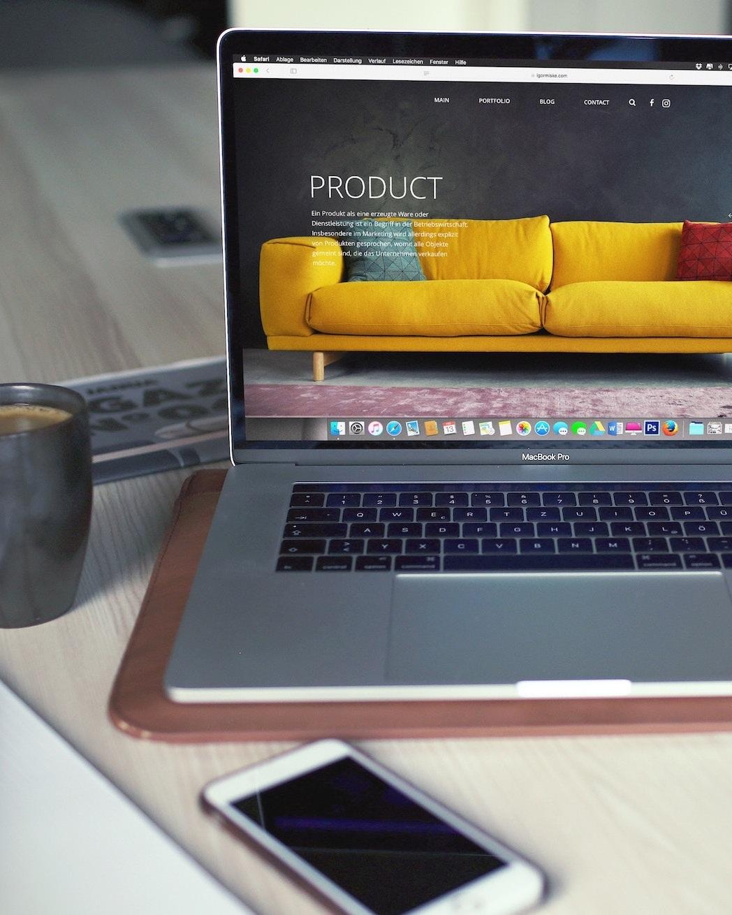 Qué hacemos? - Hacemos todo aquello que necesitas como fabricante del sector del mueble para poder vender tus productos en el canal e-commerce.Diseño y adaptación de productos, soluciones de embalaje, soluciones logísticas, desarrollo de página web/tienda online, formación de personal, estrategias de marketing y mucho más.