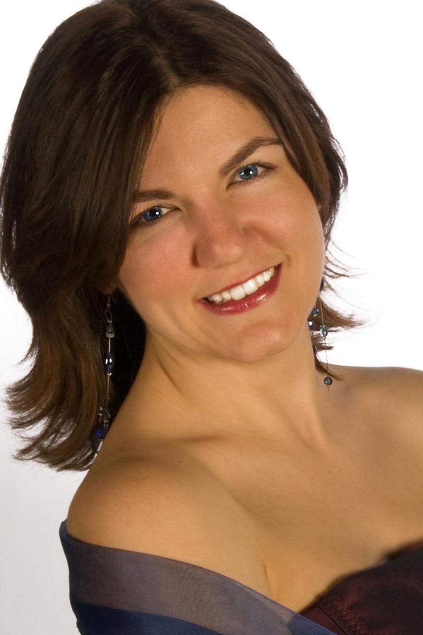 Aurore-Lacabe-mezzo-soprano.jpg