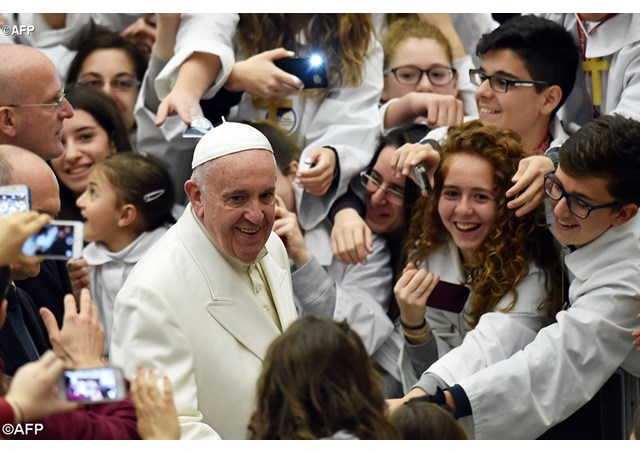 Pope Young People 4.jpg