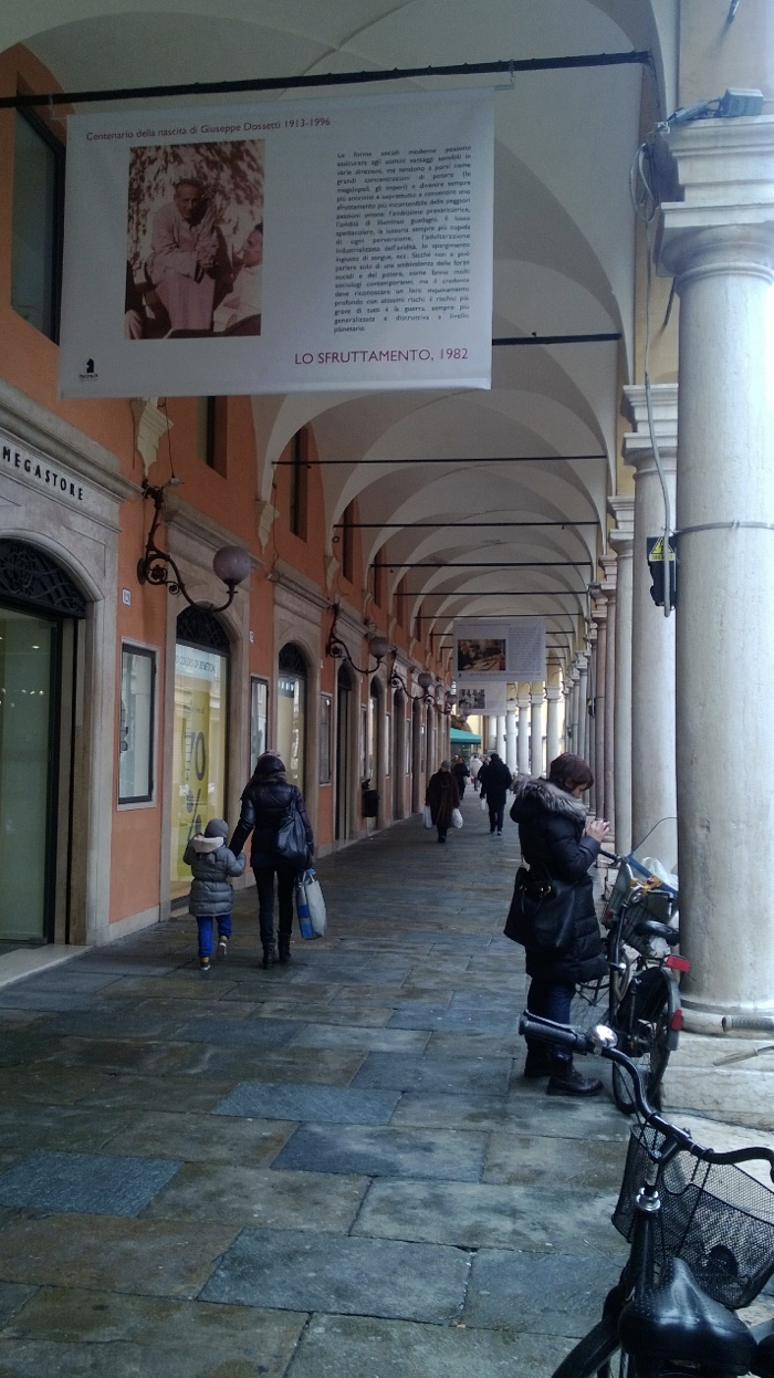 The entrance of SCIRE in Via San Vitale in Bologna