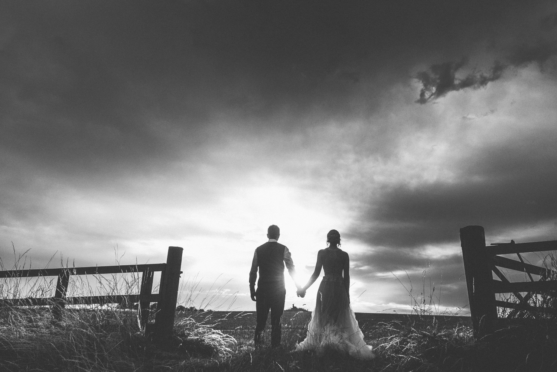 sunset-barn-wedding.jpg
