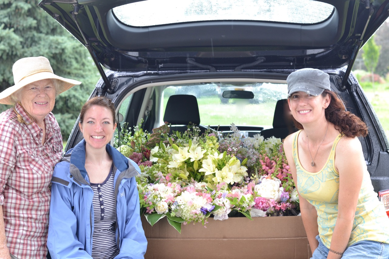 A quick shot after we helpedKate load her buckets of bulk blooms and bridal bouquets we designed for her.