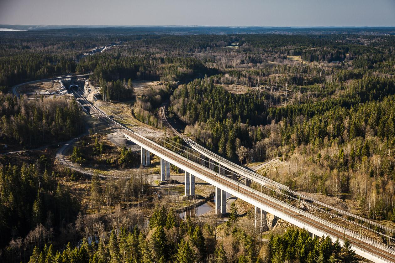 Järnvägsbro söder om Trollhättan