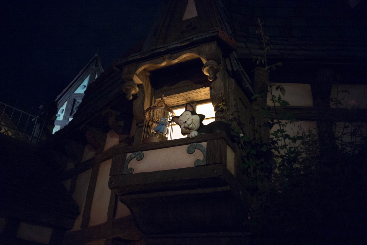 There's a new little bit of an annex to Fantasyland where I guess you meet princesses during the day but there's a really cool animatronic Figaro napping on a windowsill there you should check out