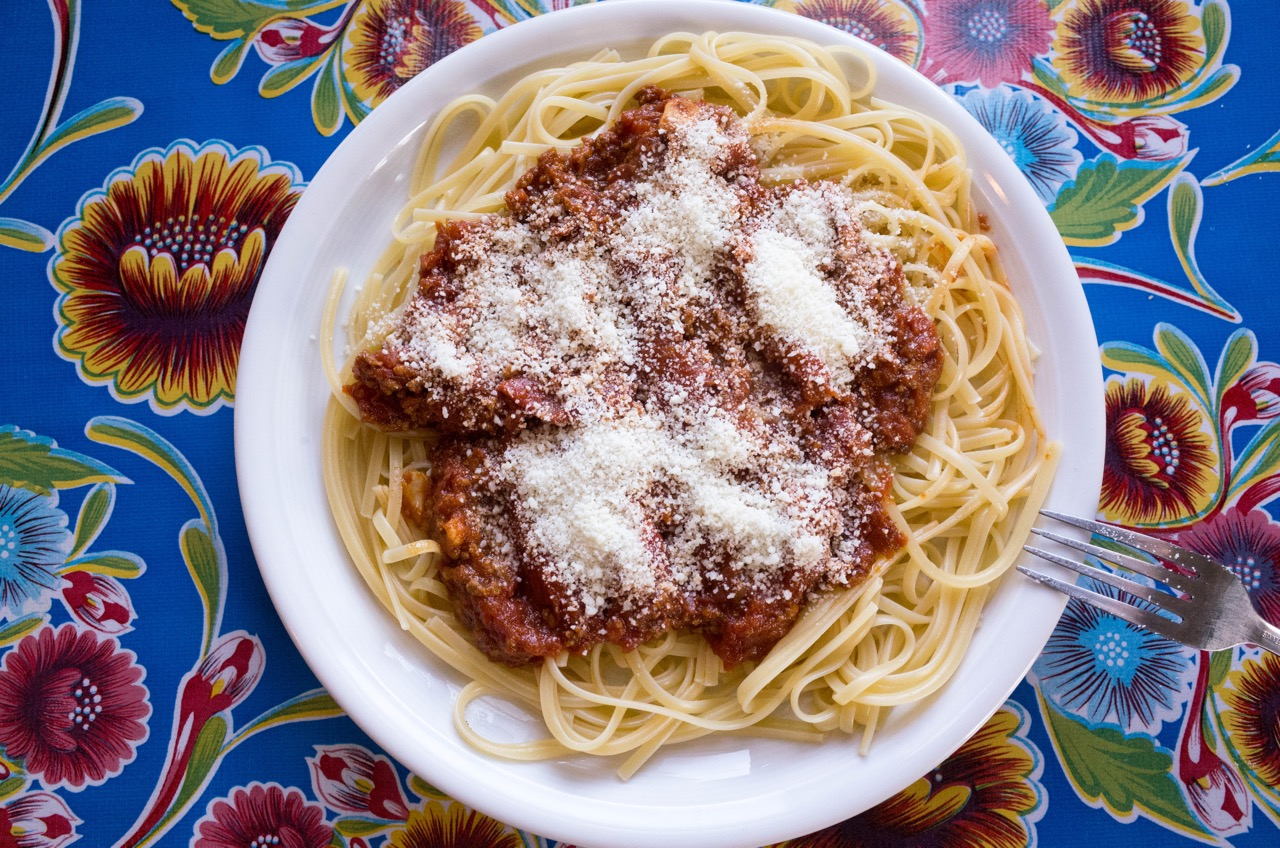 And finally, a nice big plate of spaghettin (linguini) with a homemade bolognese. When is it a bolognese and when is it meat sauce? When you take a long time to make it, that's when!