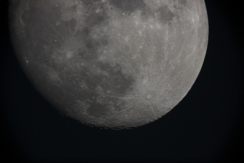 Moon 1.jpg