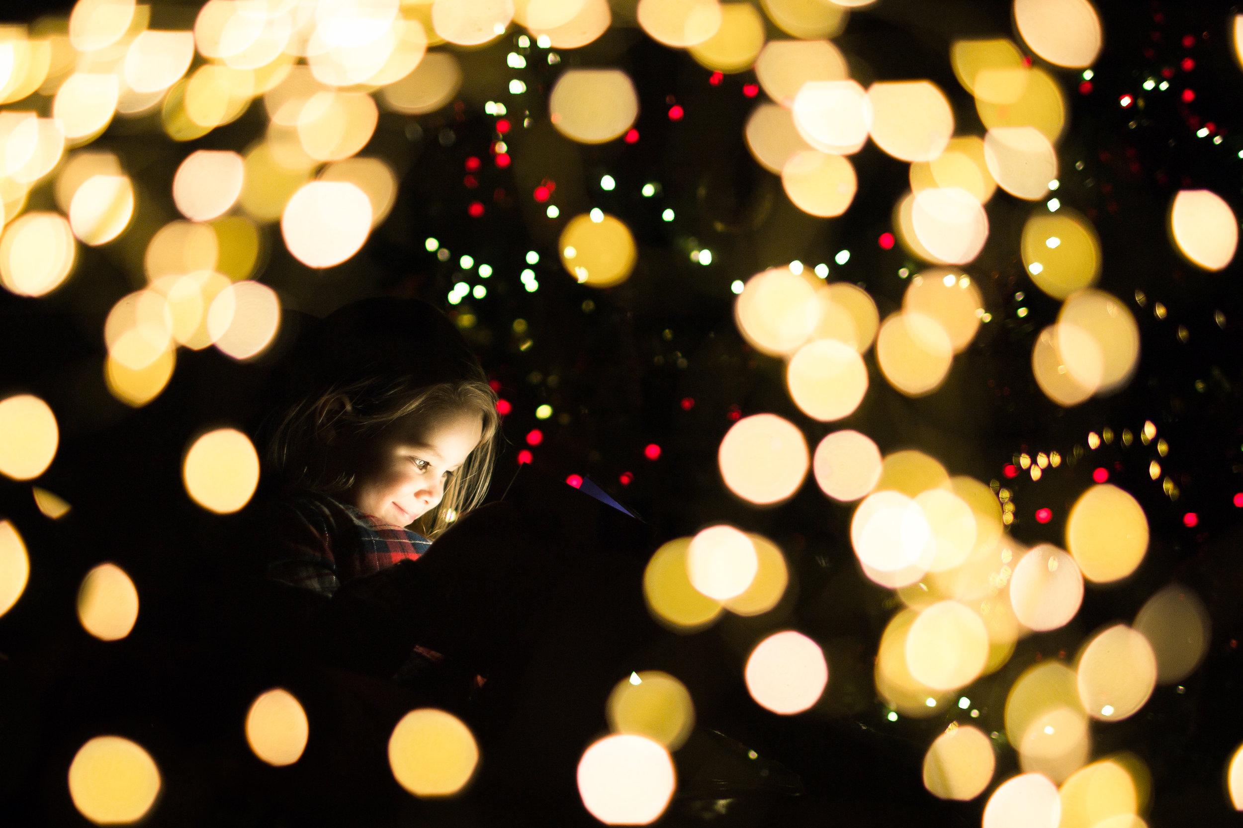Christmas lights child image