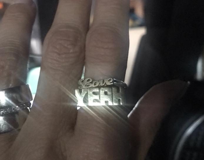 Love Yeah, Word Ring