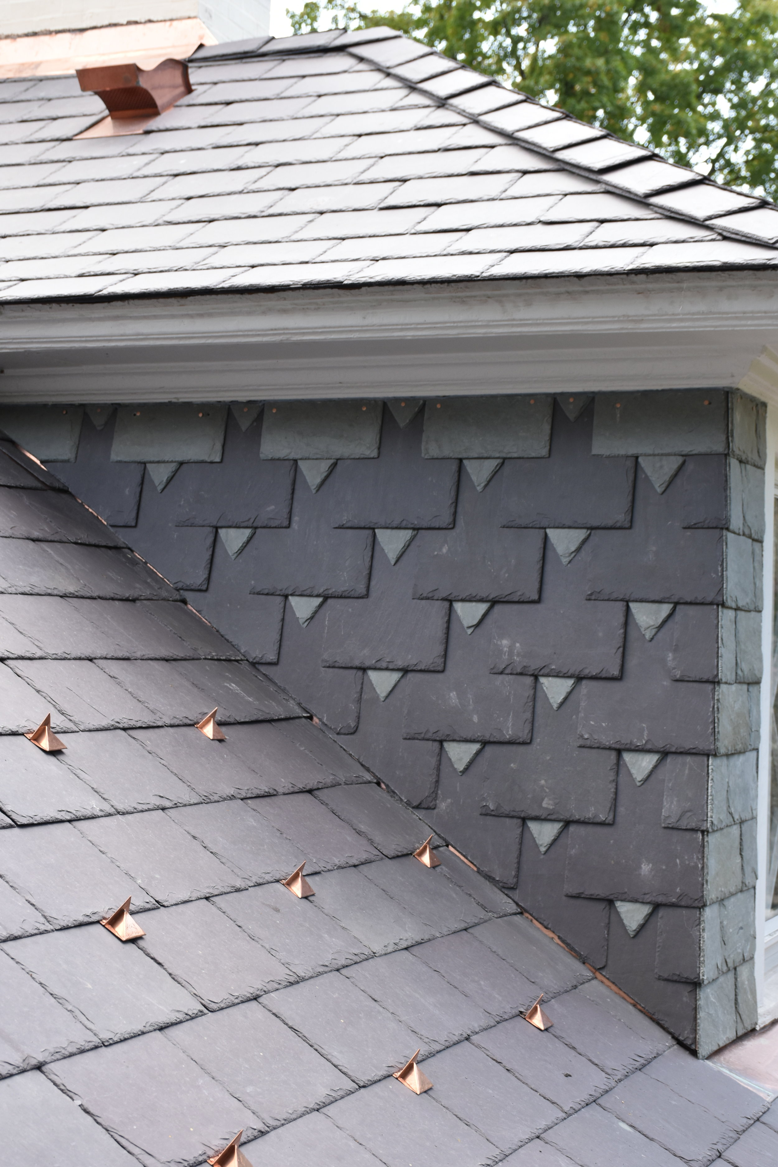 Slate Detail - Welsh Penrhyn slates with Vermont green ascents located in Pittsburgh, PA (august 2017).