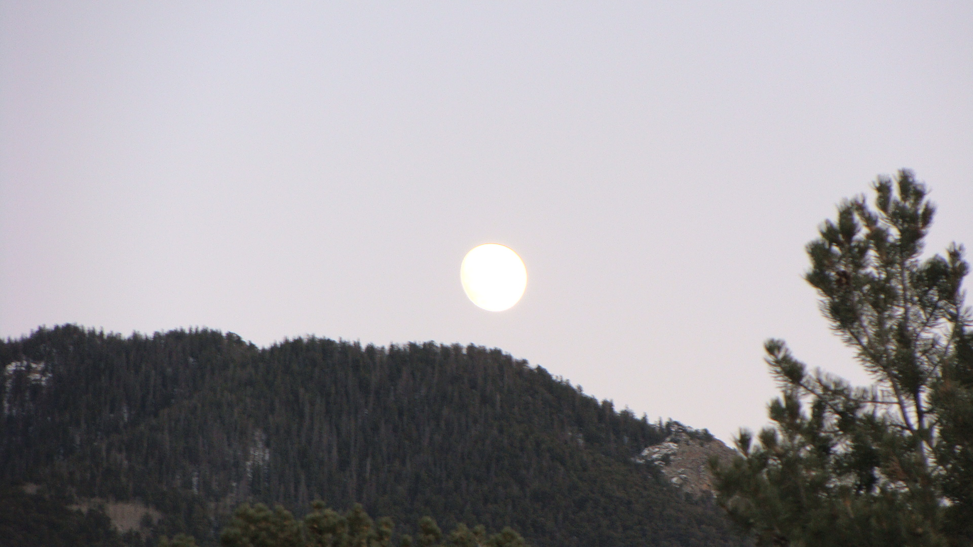 Moon rise at sunset.