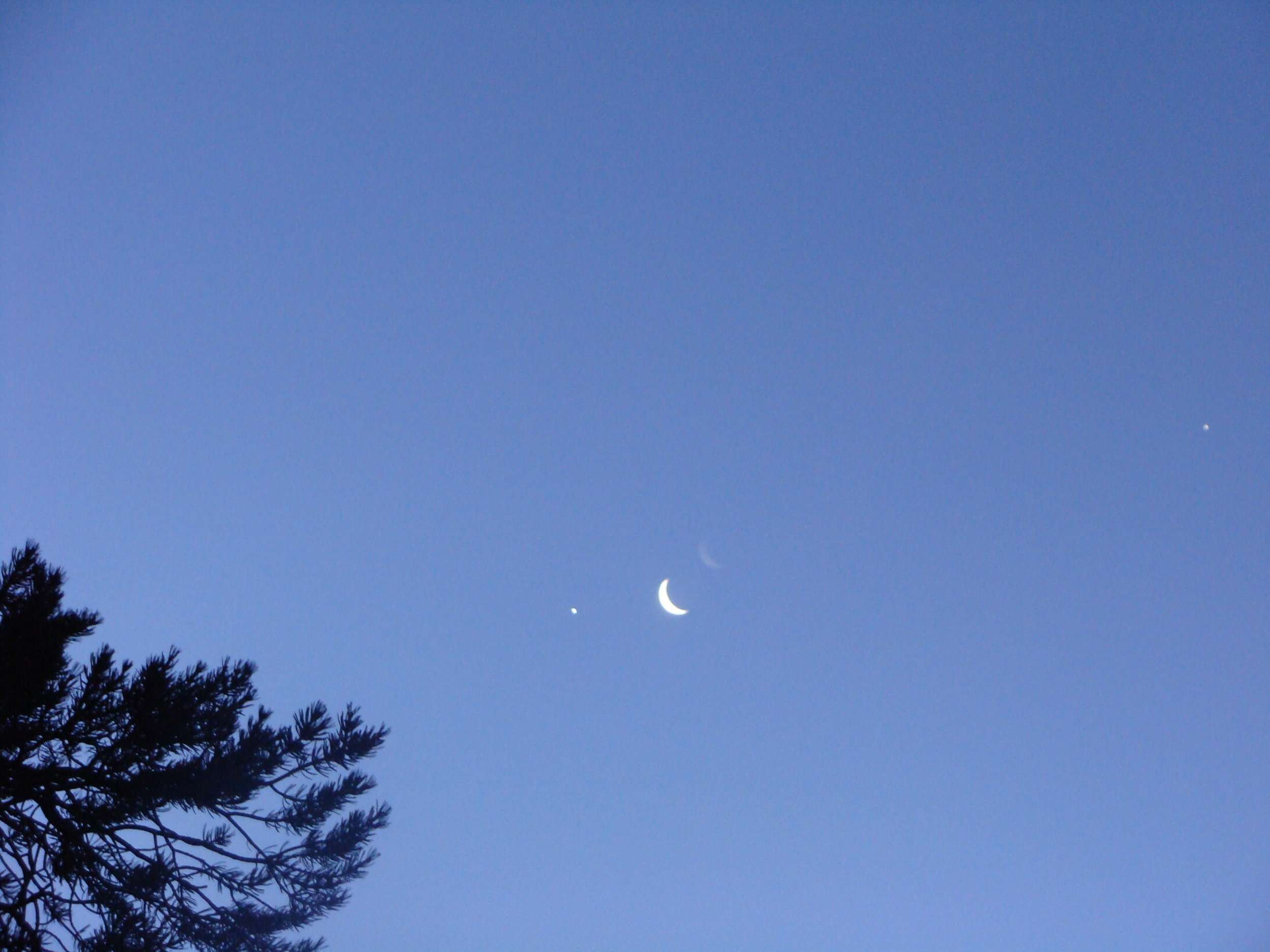 Morning Greetings from Venus, Moon and Jupiter