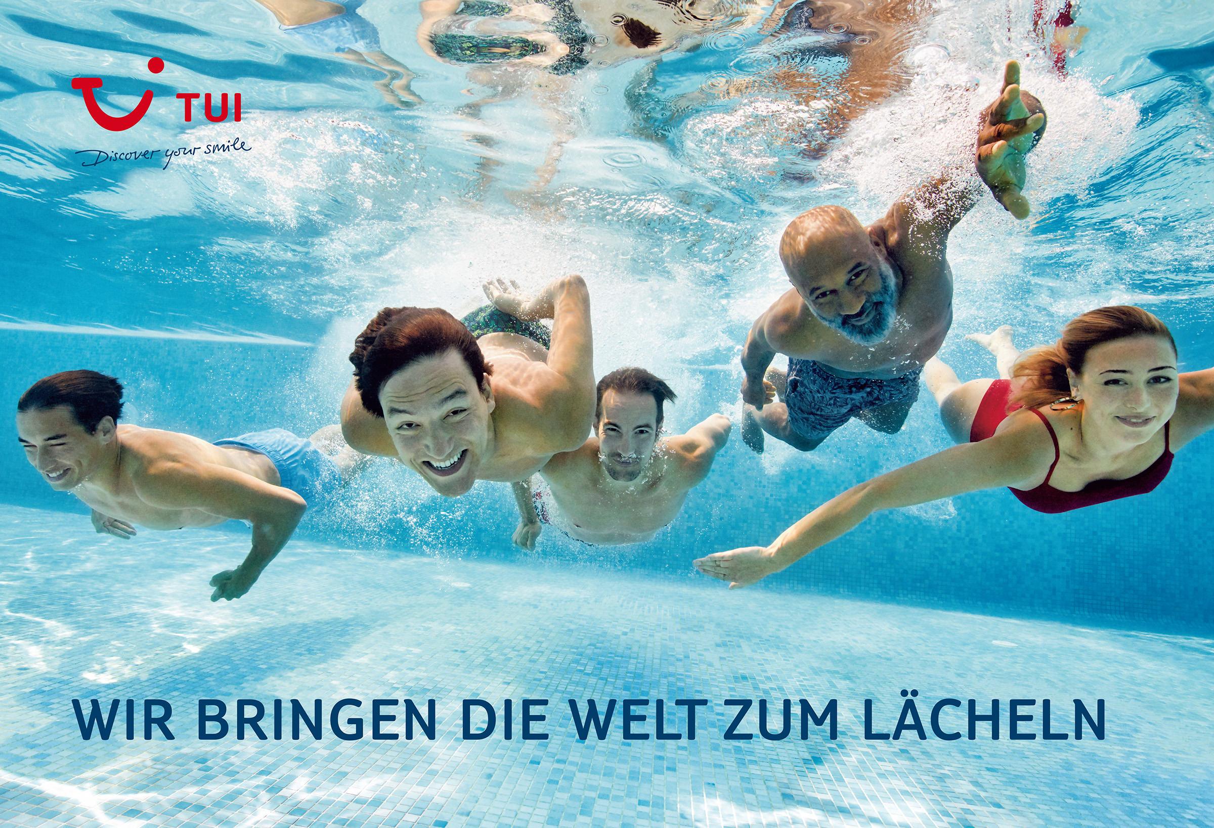 TUI_Grossflaeche_Wasser_425x290cm_LOW.jpg