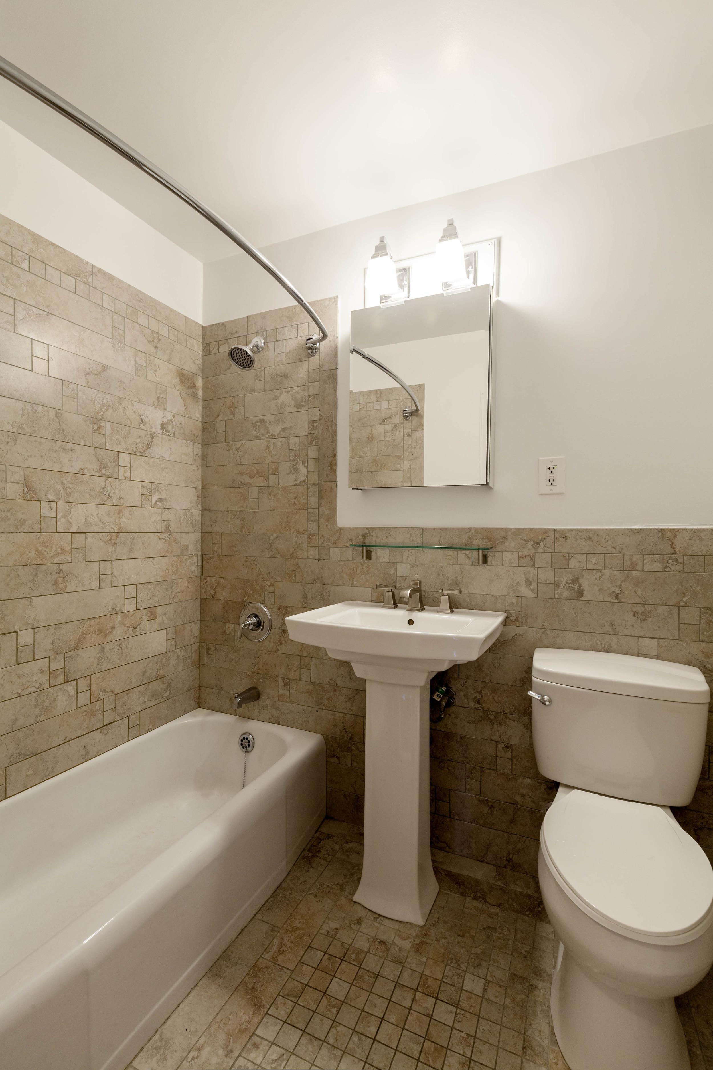 784-Columbus-Bath.jpg