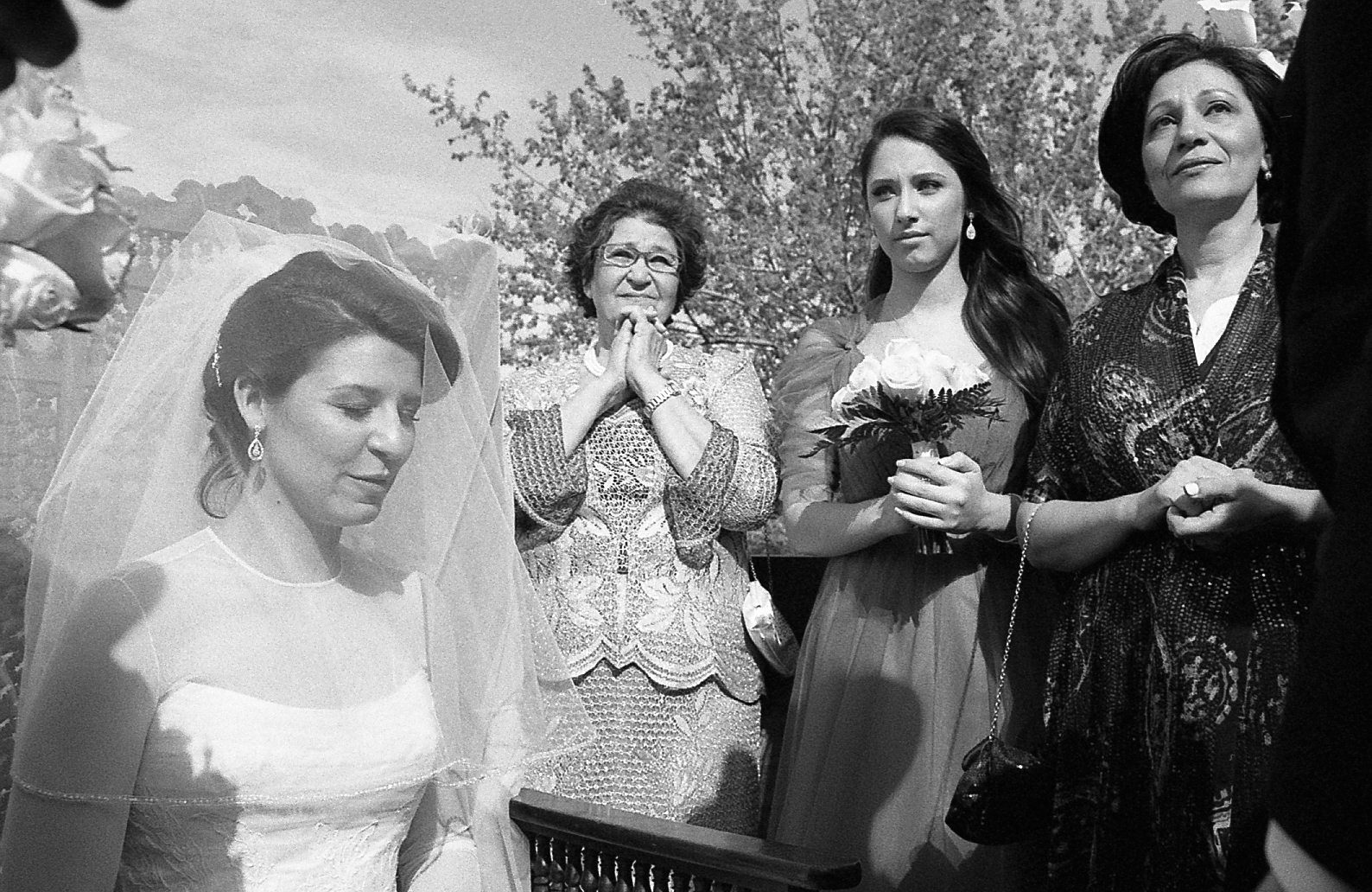New-York-City-Hasidic-Jewish-Wedding-Manhattan-Beach-NYC-Photojournalistic-Wedding-Photography-Jacek-Dolata-35mm-medium-format-film-5.jpg