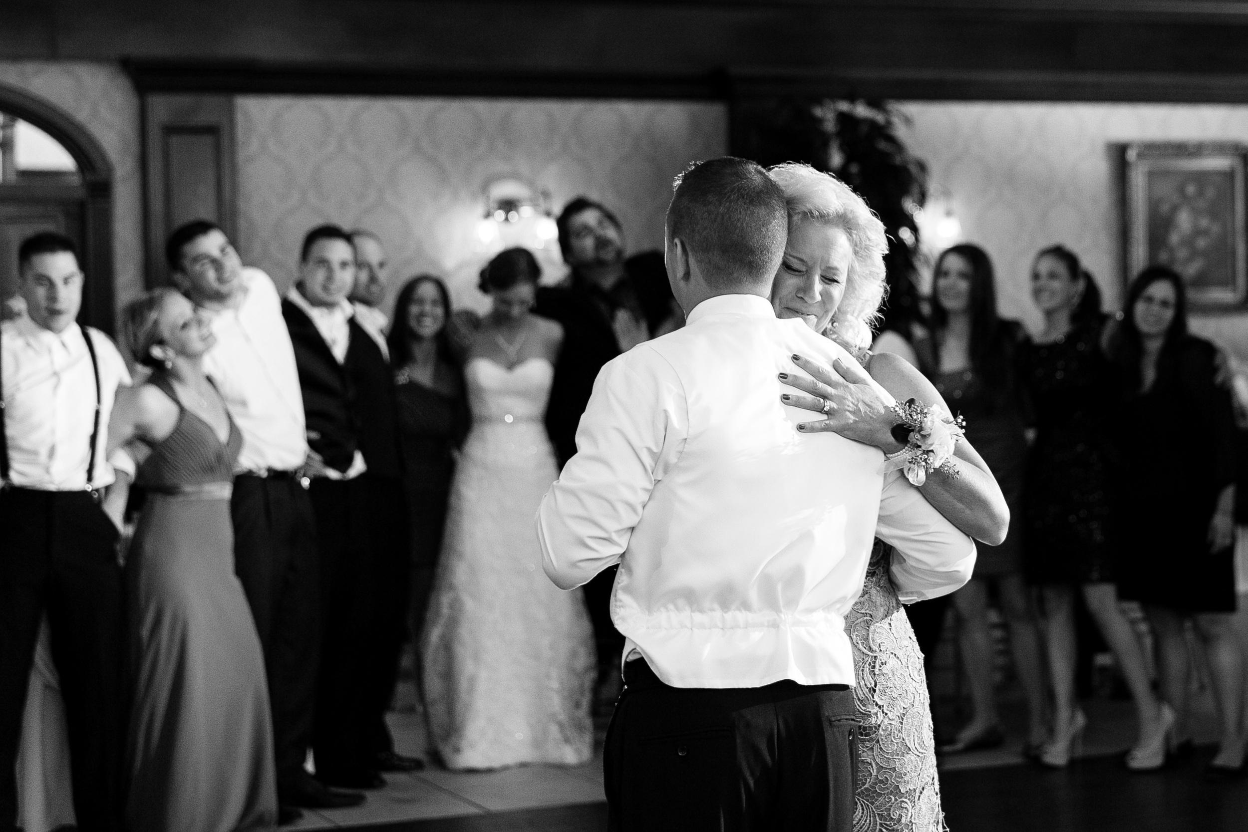 Romantic-Wedding-Aqua-Turf-Connecticut-Photojournalistic-Photography-by-Jacek-Dolata-12.jpg