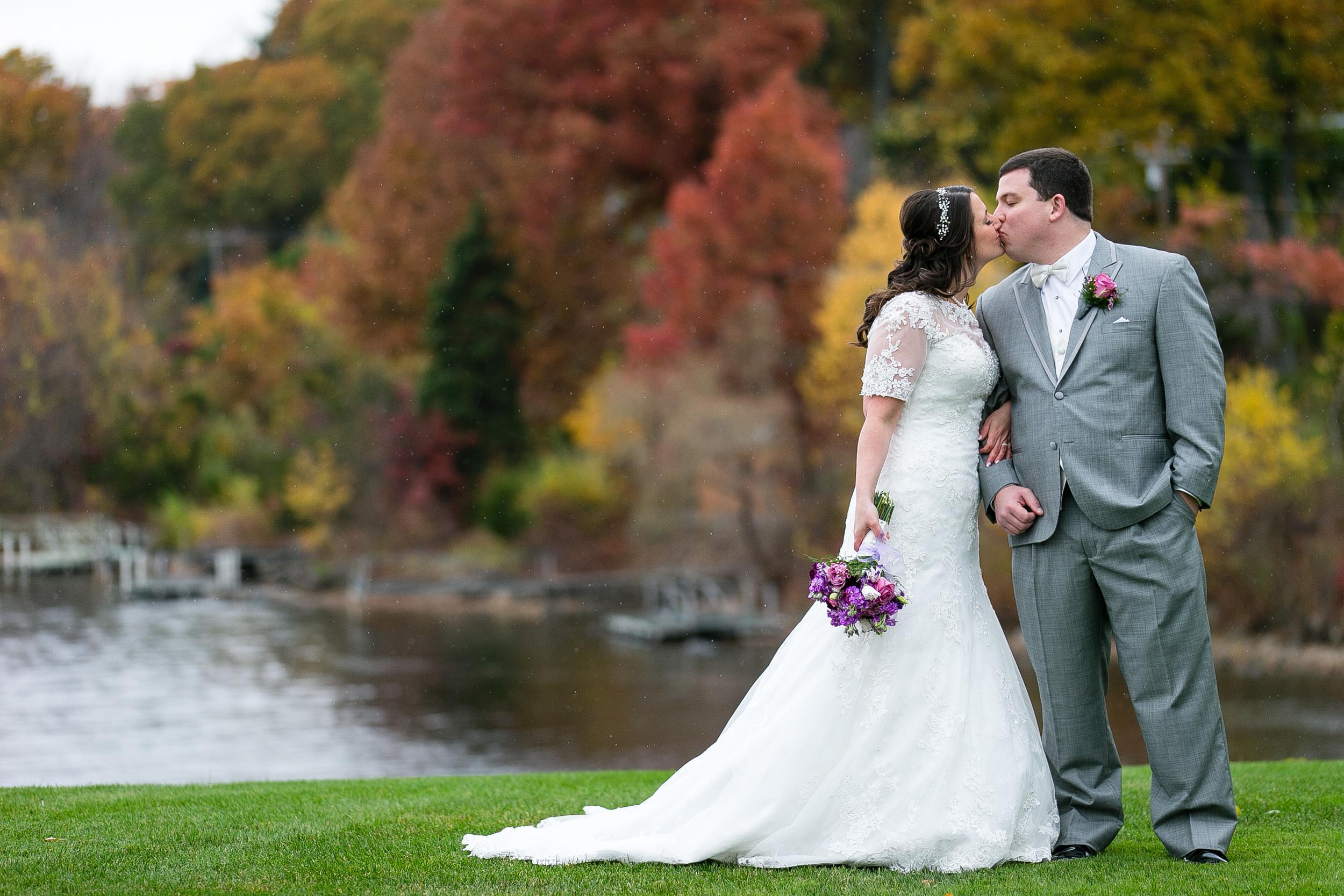 Connecticut-Fall-Wedding-Candlewood-Inn-CT-Documentary-Wedding-Photographer-Jacek-Dolata-111-6.jpg