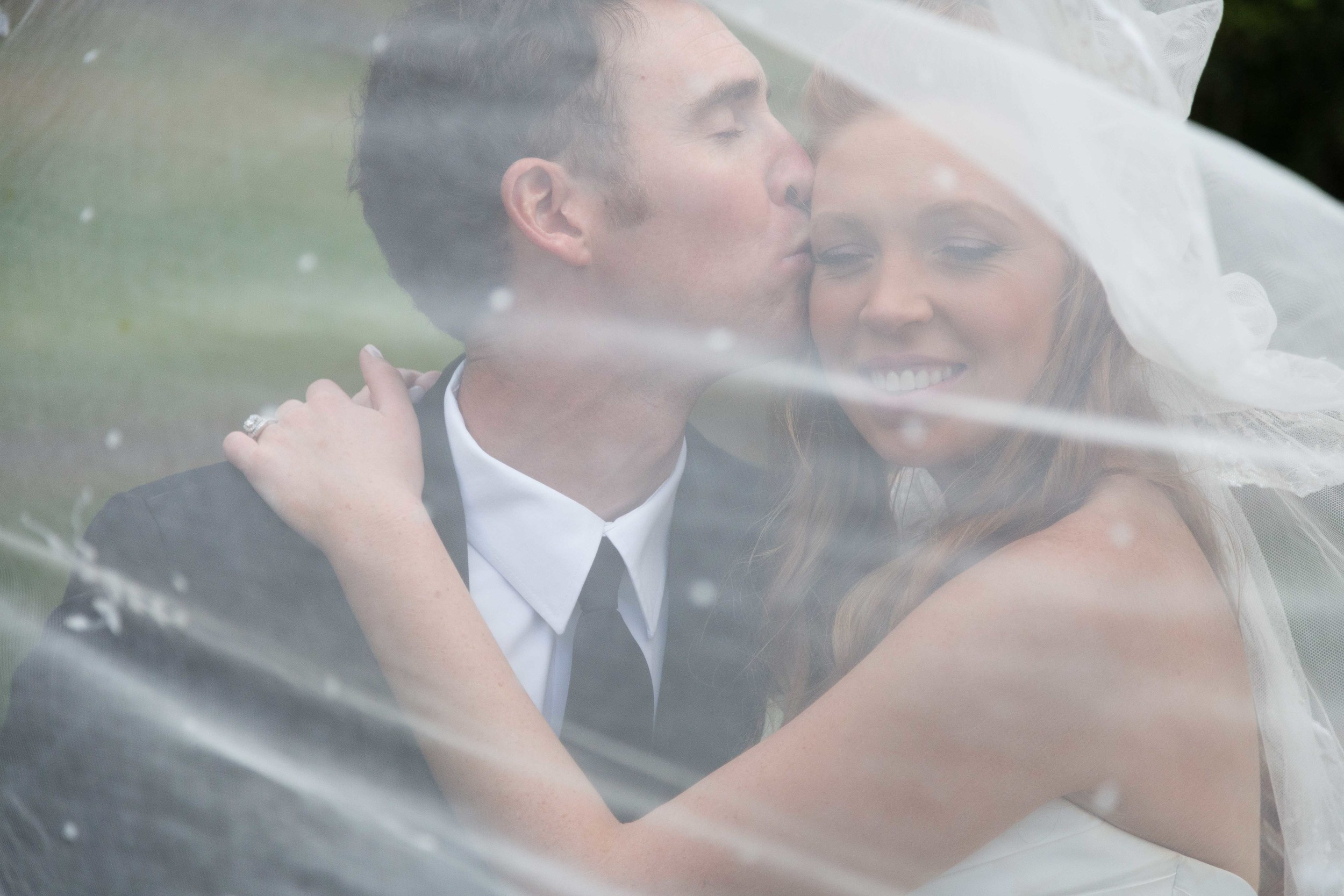 Connecticut-Fall-Wedding-Shuttle-Meadow-Country-Club-CT-Documentary-Wedding-Photographer-Jacek-Dolata-10.jpg