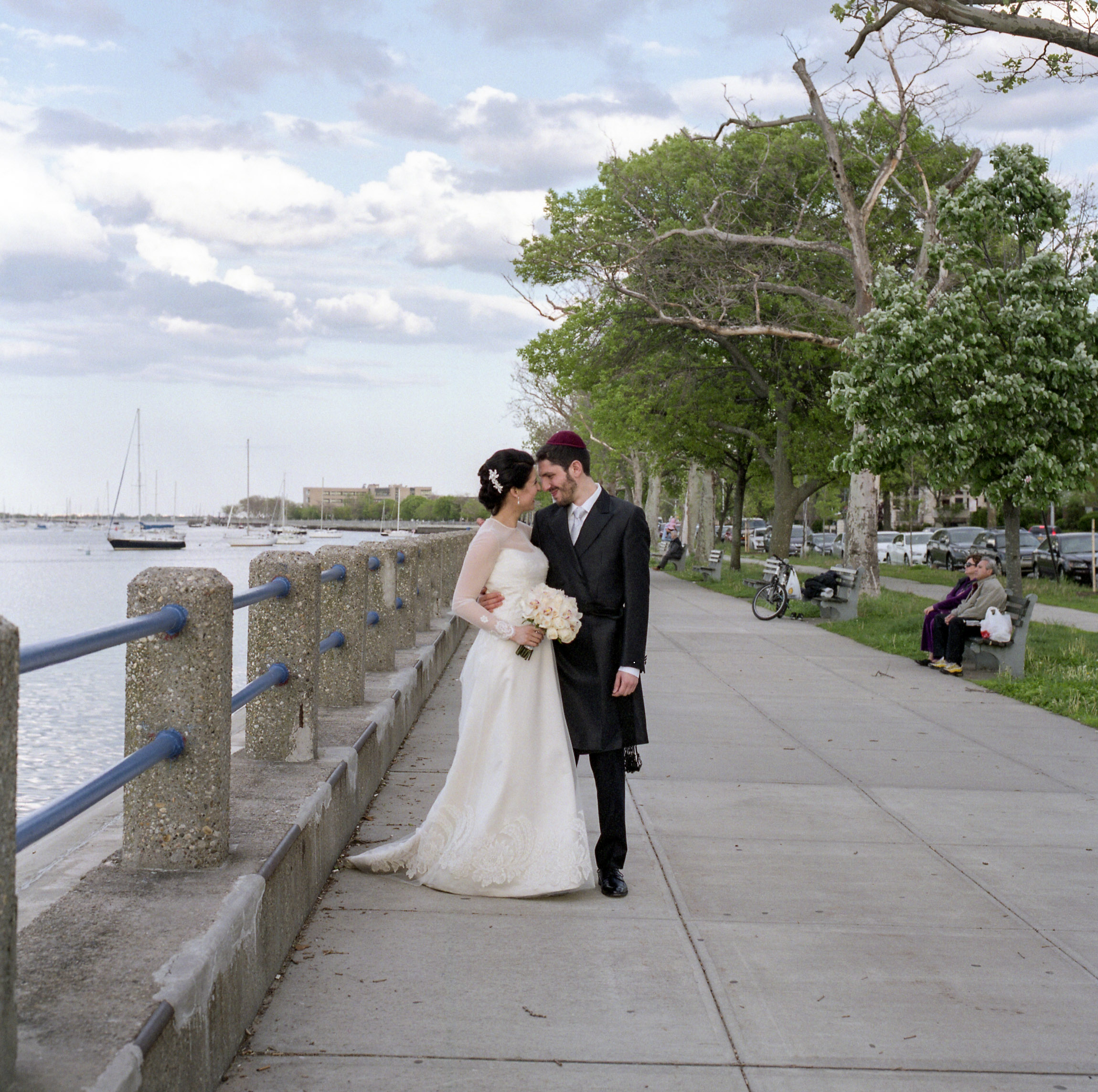 New-York-City-Hasidic-Jewish-Wedding-Manhattan-Beach-NYC-Photojournalistic-Wedding-Photography-Jacek-Dolata-35mm-medium-format-film-28.jpg