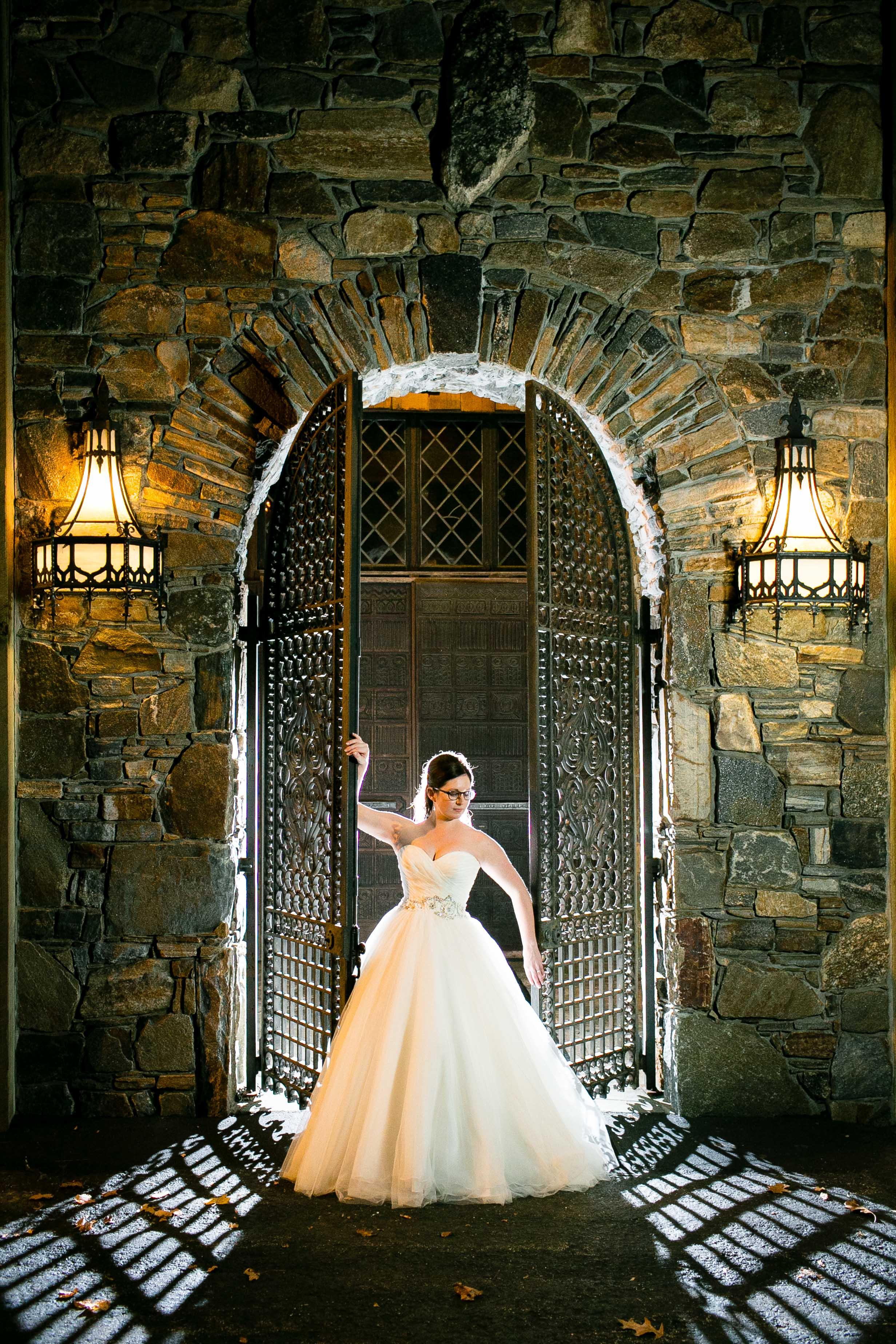 Creative-Wedding-Photography-Bill-Millers-Castle-Connecticut-Jacek-Dolata-Photography-3.jpg