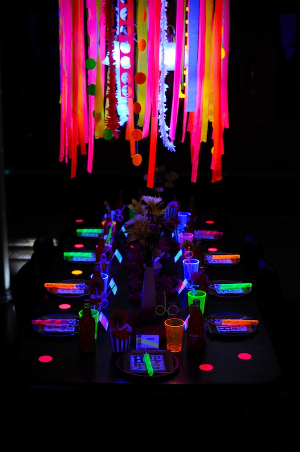 Neon-Glow-in-the-Dark-Party-Table.jpg