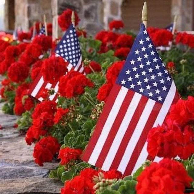 Happy Memorial Day! Thank you to all who have served. 📷: @pineappleonmain