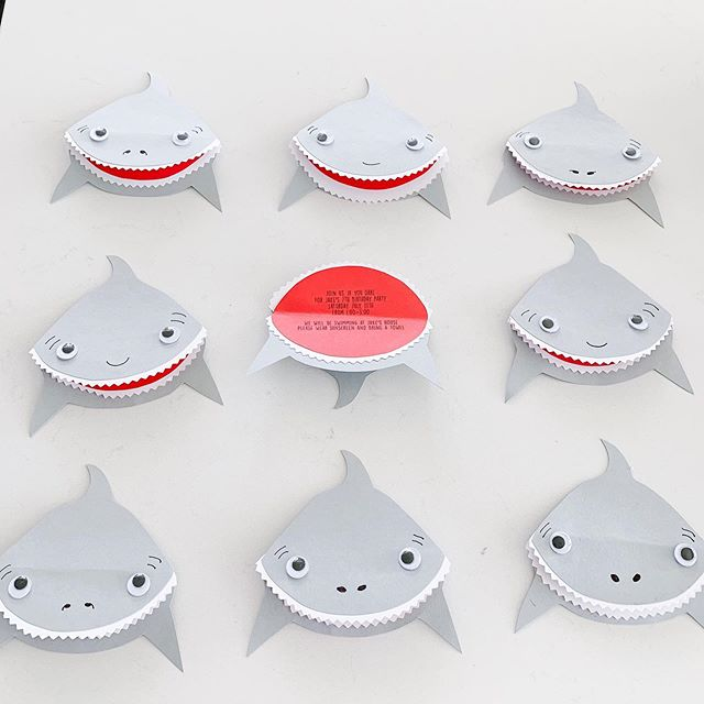 Getting invitations made for our little shark's 7th birthday party. Of course I can't get the song Baby Shark out of my head. Do do do do do...🦈