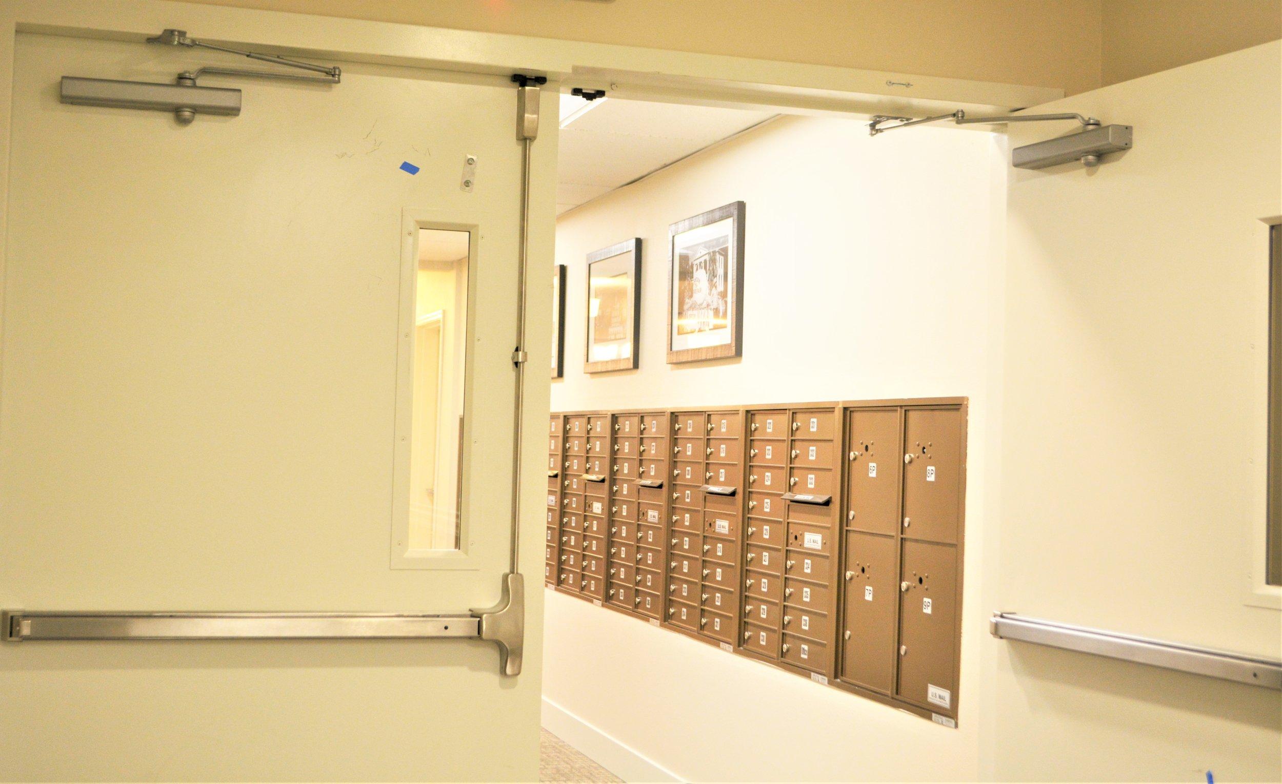dr pkg mail boxes.JPG