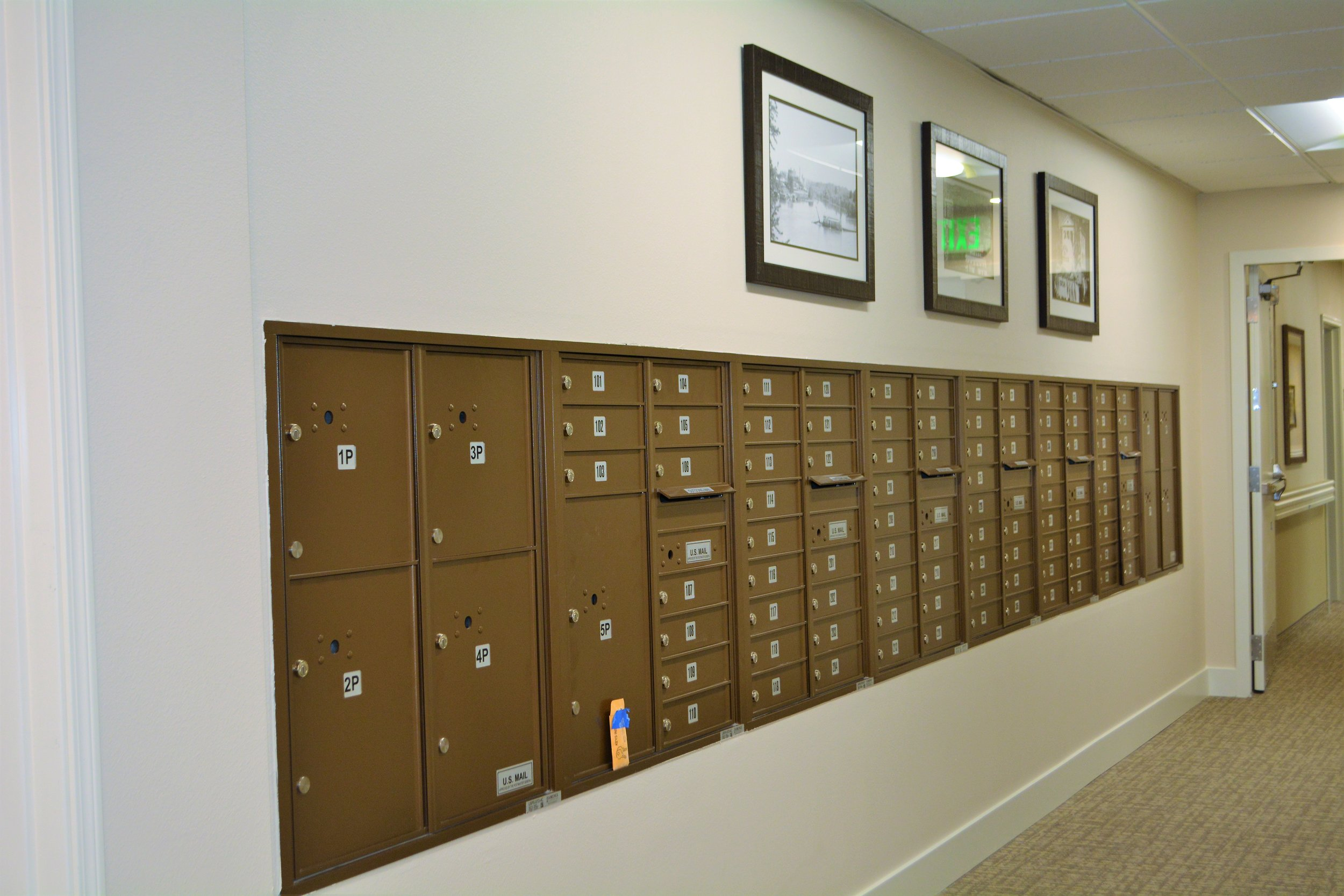 mail boxes.JPG