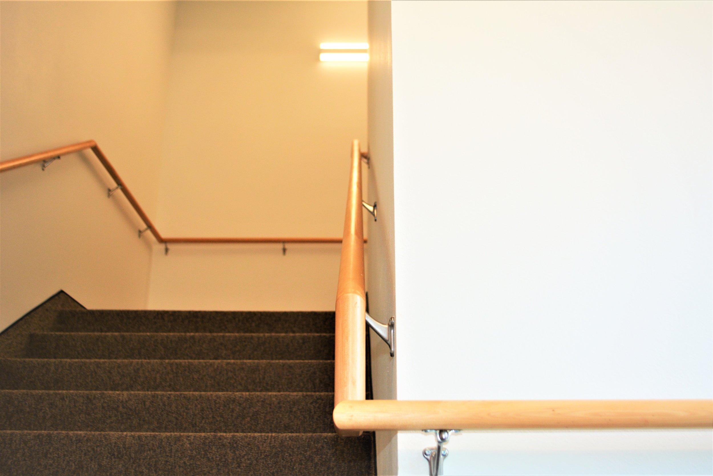 wood railing.JPG