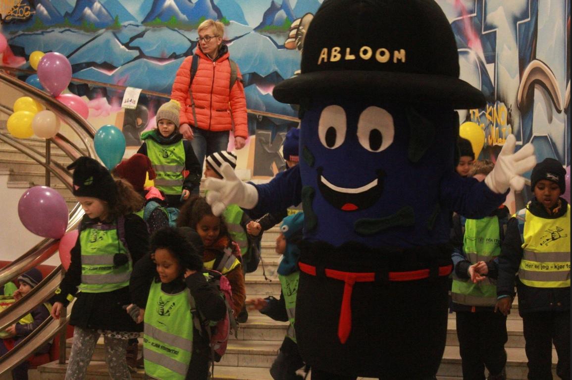 Abloom-maskoten er populær.
