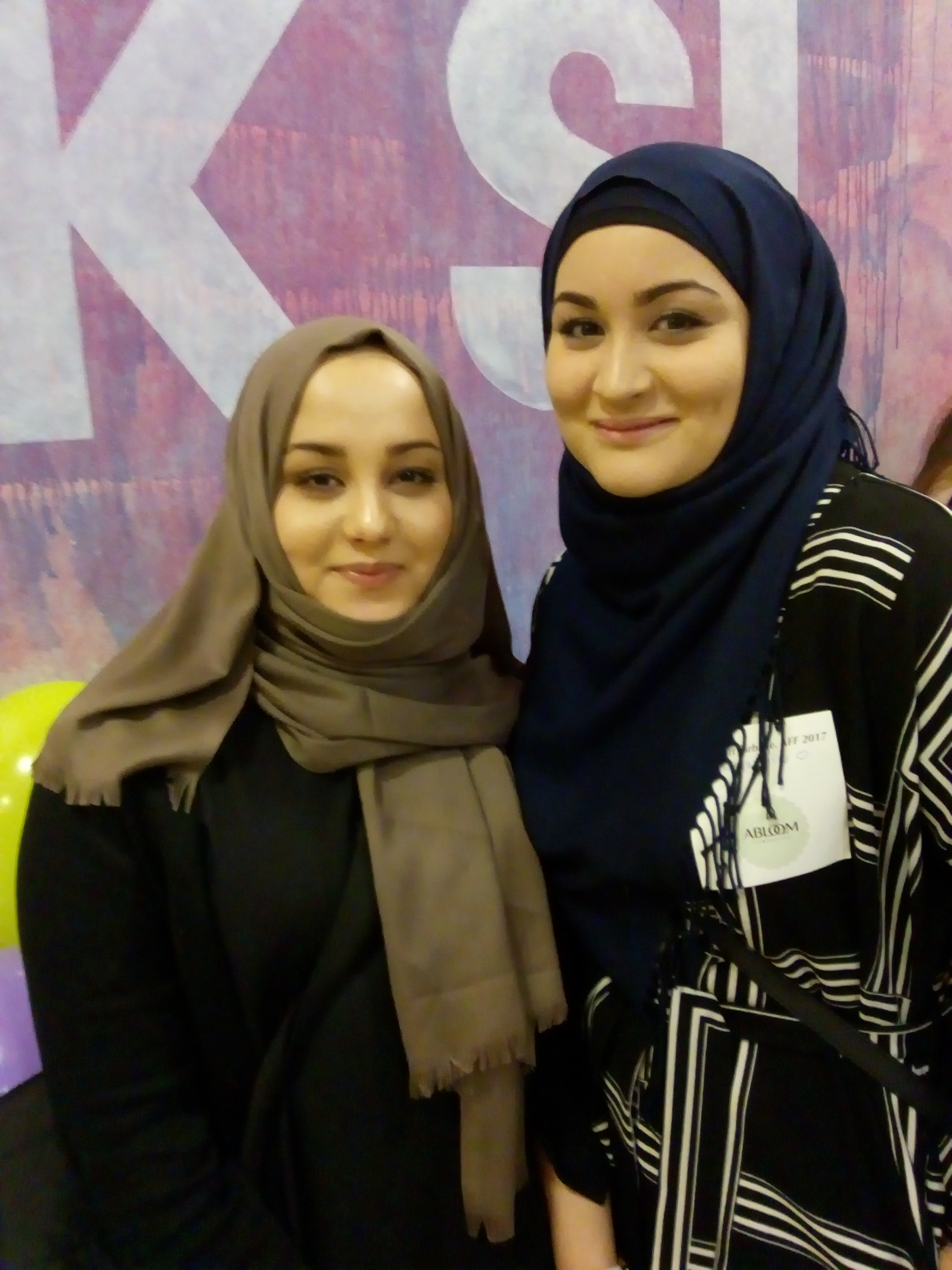Lot seg inspirere: Søstrene Rabia og Bibi Fatima Musavi likte veldig godt opplegget med forbilder.– Det er også viktig å vise at de med funksjonsnedsettelser også er ressursterke individer, sier de.