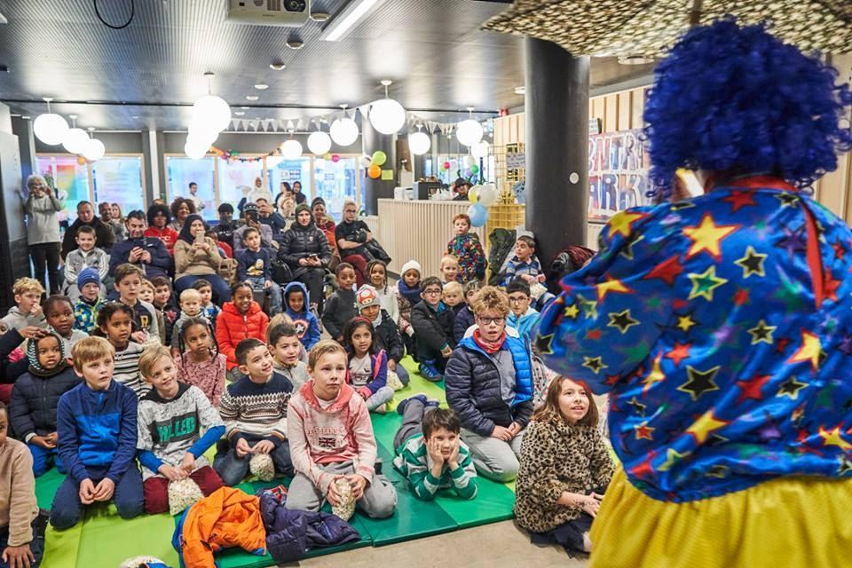 Klovn er kult! Barna på Tøyen fikk en gøyal dag på Abloom Kick-off.