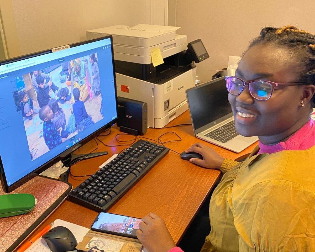 Jennifer Kukua Eshun er allerede godt i gang med arbeidet i Abloom. Foto: Abloom