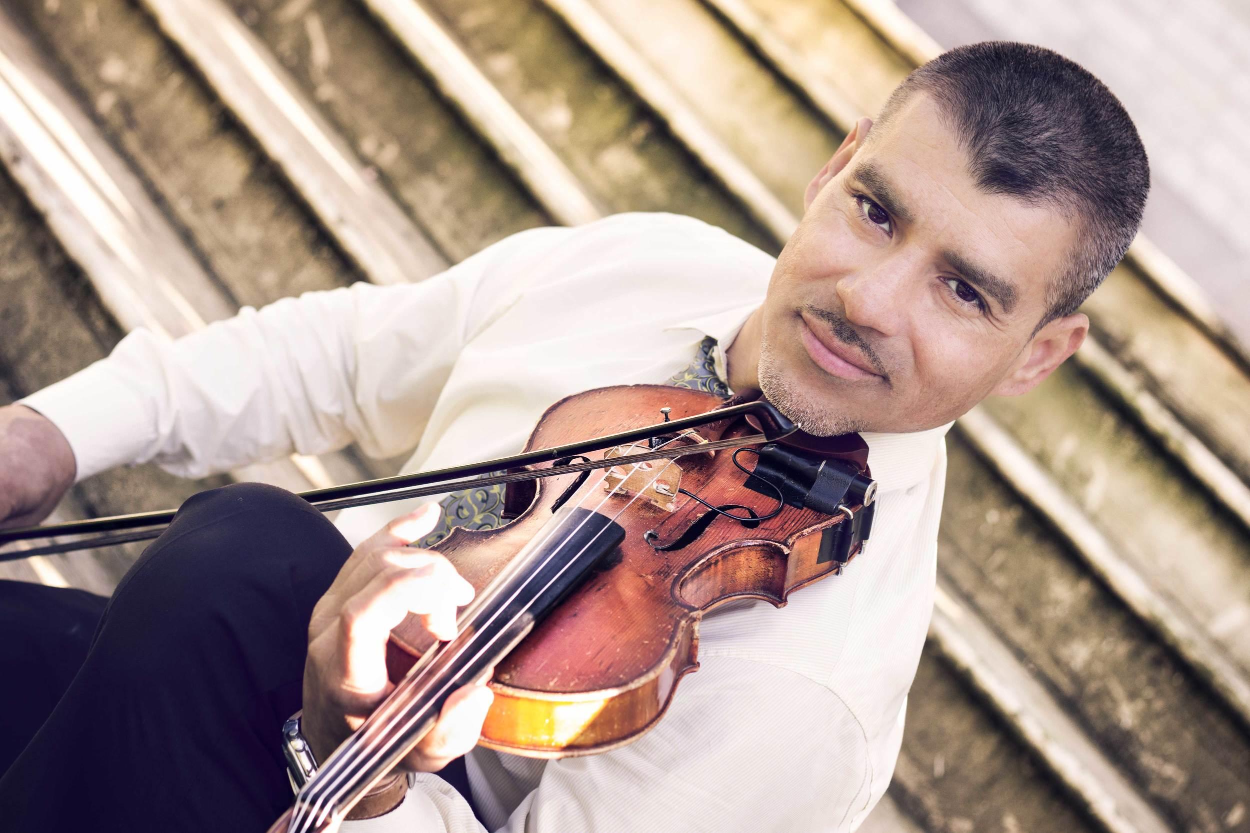 Violinist, Martin Lopez