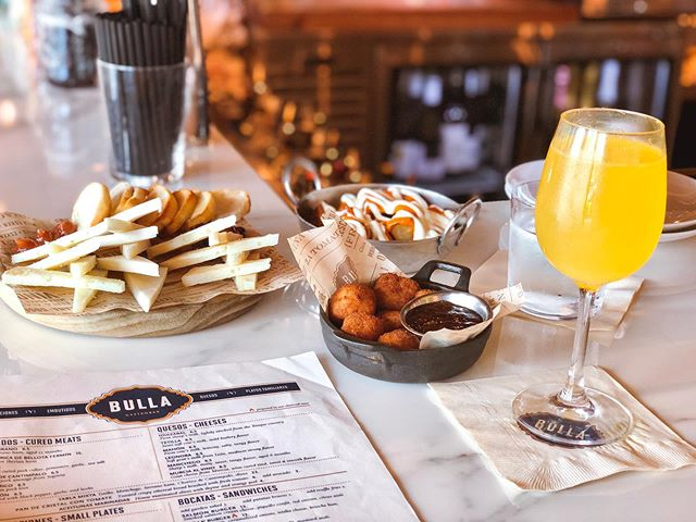 did you know... that @bullagastrobar has brunch on fridays? 😱 ⁣ ⁣ soooooo i'm taking that as an excuse to ditch work & drink mimosas tomorrow kthxbye!!!