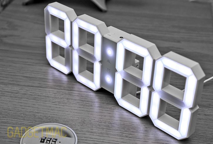 kibardin_white_and_white_led_clock_3.jpg