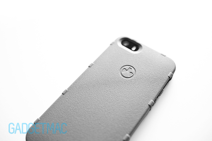 magpul_executive_field_case_iphone_5s_gray_finish.jpg