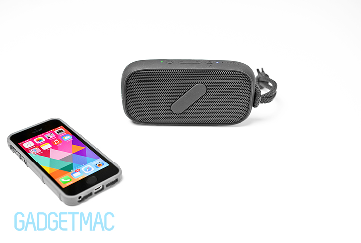 nudeaudio_super_m_portable_bluetooth_speaker_black_iphone.jpg
