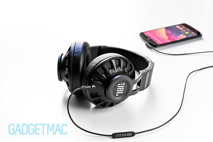jbl_synchros_s700_headphones_black.jpg