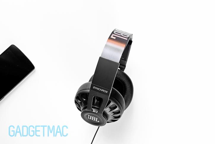 jbl_s700_headphones_top.jpg