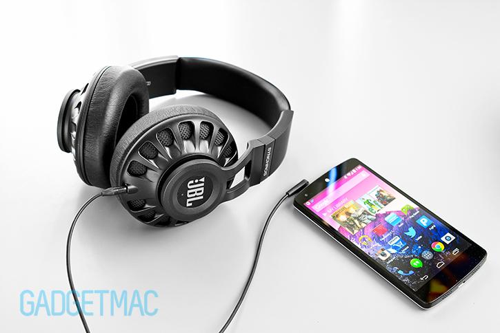 jbl_synchros_s700_headphones_4.jpg