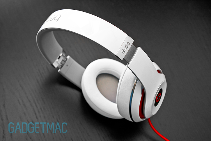 beats_studio_headphones_2013_redesigned_model_white_8.jpg