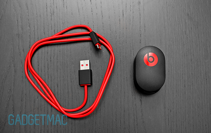 beats_studio_2_headphones_charging_usb_cable_power_adapter.jpg