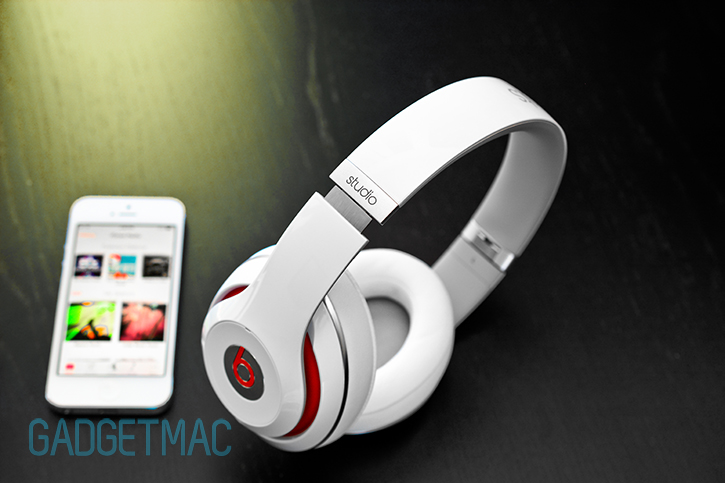 beats_studio_headphones_2013_redesigned_model_white_9.jpg